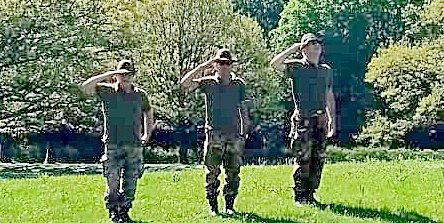 Onoranze ai Caduti Italiani e sostituzione della Bandiera nel Waldfriedhof di Monaco di Baviera