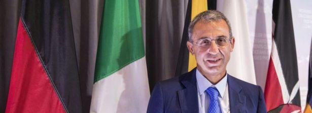 """End of waste di carta e cartone, il Ministro Costa firma regolamento: """"forte contributo a settore del riciclo"""""""