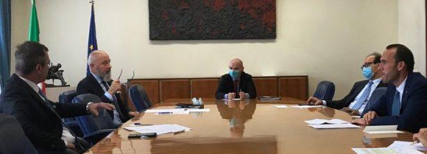Il sottosegretario agli Esteri Manlio Di Stefano incontra esponenti del settore fieristico italiano