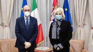 Incontro dell'Ambasciatore d'Italia in Serbia Lo Cascio con la Ministra delle Miniere e dell'Energia Zorana MihajlovicMaeci