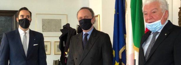 Giornata Nazionale della Bandiera a Londra: incontro del Console Generale Villani con i delegati dell'Associazione Nazionale Insigniti dell'Ordine al Merito della Repubblica Italiana