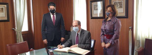 Spagna, missione a Tenerife dell'Ambasciatore Guariglia. Incontro con il Presidente del Cabildo e visita allo Sportello consolare