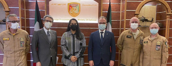 """Il Sottosegretario Mulè in Kuwait incontra il contingente italiano che opera nell'ambito dell'Operazione multinazionale """"Inherent Resolve"""""""