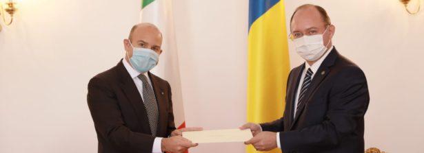 L'Ambasciatore a Bucarest Durante Mangoni ha presentato copia delle lettere credenziali al Ministro degli Esteri Aurescu