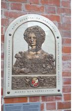 L'Ambasciatore Ungaro all'inaugurazione di unbassorilievo commemorativo di Bona Sforza al Palazzo granducale di Vilnius