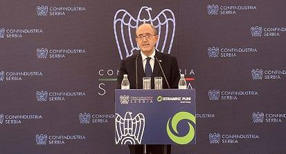Cooperazione economica Italia-Serbia: L'ambasciatore a Belgrado Lo Cascio premiato da Confindustria Serbia